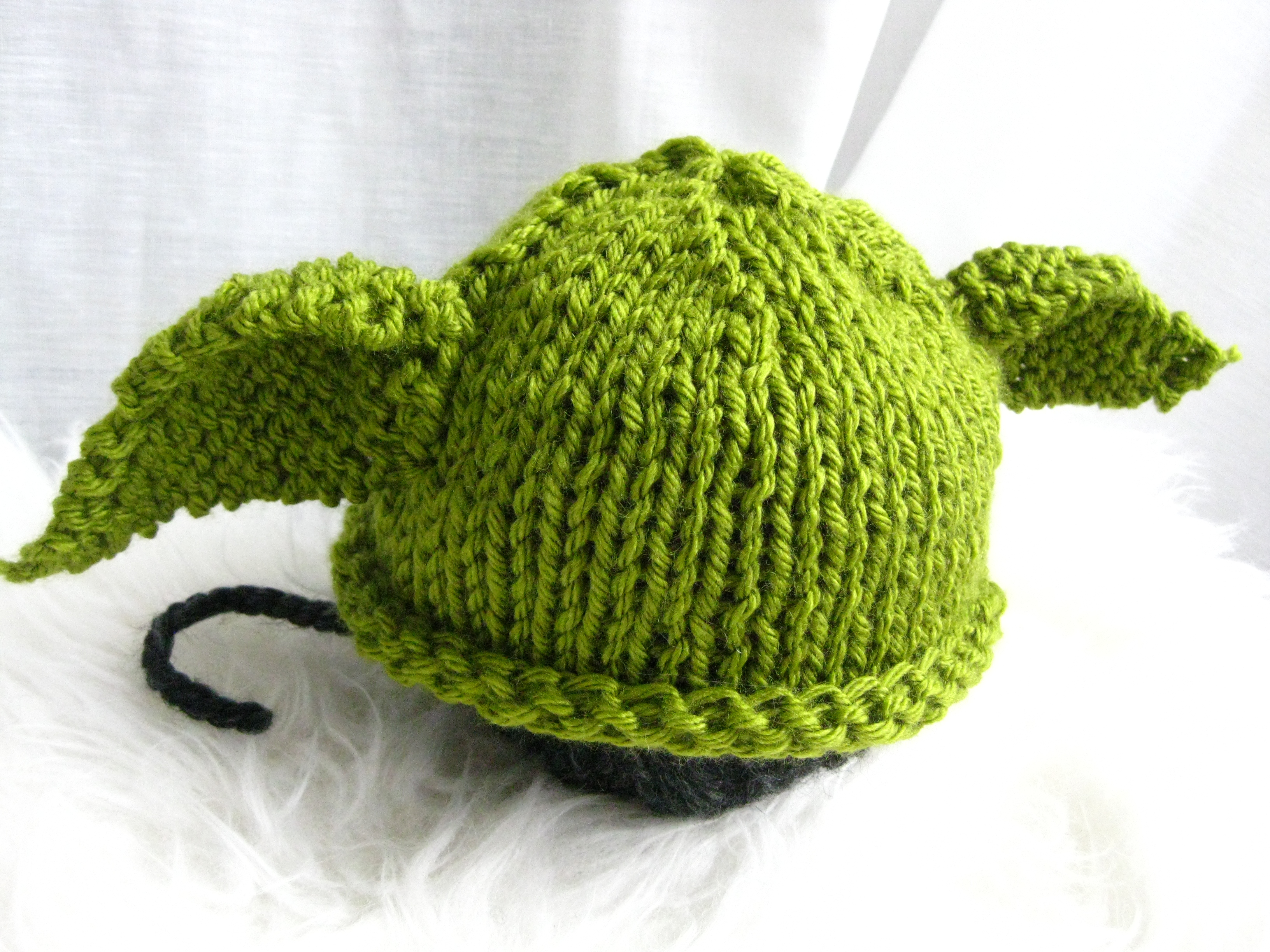 Baby Yoda Knit Hat (with Free Pattern) FuzzyCloudDesigns Blog